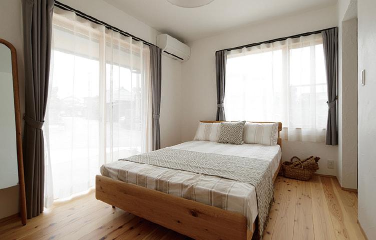 主寝室には大容量ウォークインクローゼットを備えています。平屋建てだからこそ、収納もしっかり確保